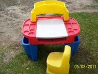 Little Tikes desk with chair and drawing area that