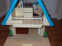 Hi, I am selling a little Tikes doll house! It's in