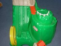 A big Little Tikes Green Mountain for Hot Wheels !!! In