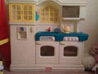 Little Tikes play kitchen is the country kitchen