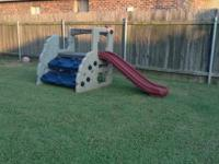 Great play set, nothing is broken. Great condition.