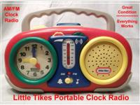 Portable AM/FM Clock Radio (1996 )(Little Tikes Item #
