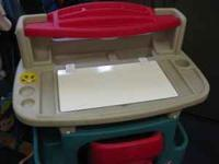 This Little Tikes desk and chair is in great condition!