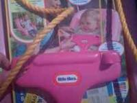 Little tikes swing 9-48 months brand new!!! Serius