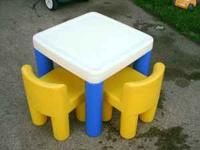 small table with two chairs in very good condition -