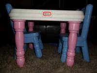 LITTLE TIKES PINK TABLE WITH BLUE CHAIRS. THIS SET IS