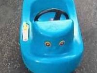 LITTLE TIKES TUG BOAT HAS STEERING WHEEL AND FLIP
