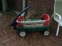 Little Tykes Wagon. Missing one side rail. Cash only