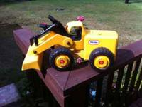 Little Tikes Yellow Construction Swivel Bulldozer.