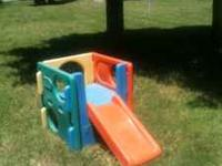 Little Tykes Toddlers oudoord slide climber. $20  call