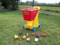 Little Tikes Grocery Cart with Acessories/Great