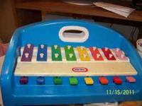 Little Tikes Piano. Has a few dings but in great shape