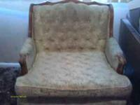 LIVING ROOM CHAIR WHITE WITH GOLD FLOWERS, IN GOOD