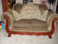 I HAVE A LIVING ROOM SET THAT I WANT TO SELL IF
