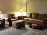Broyhill, sofa, 2 chairs, 2 ottomans, 2 end tables plus