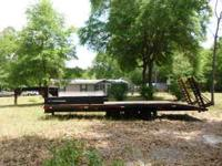 **Loboy** (Trailer) Unit has a Gooseneck Hitch Trailer