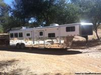 2007 Logan 3 horse Living Quarters