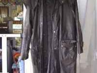 Long leather coat. Mens size large. Great condition.