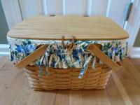 We're selling a gorgeous LONGABERGER LARGE PICNIC