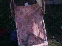 Poo bear stroller with sun roof like new 8.00 baby bath