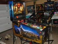 This is very nice Lord of the Rings pinball machine.