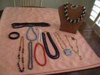 Beautiful lot of 11 vintage jewelry. 6 chokers, 4