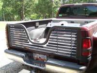 Louvered fifth wheel tailgate for Dodge Ram 2500-3500,