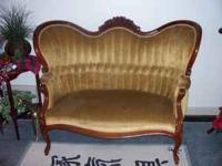 Gold velvet love seat- in excellent condition. 4 ft.
