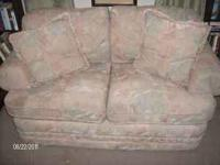 Very nice love seat, barely used, i had it in my room
