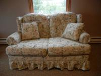 This love seat glider is in excellent condition. It