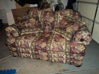 Im selling a floral love seat sofa. Non smoker and was