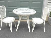 LOVELY 3-PC. WHITE WICKER DINETTE SET, EXCELLENT