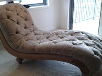 Type:Living RoomType:SofasDescription:Elegant chaise to