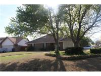 Lovely updated family home in Northaven Location: