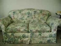 This is a great Loveseat that is in great shape! We