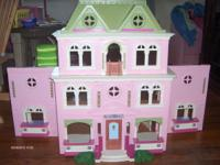 Loving family doll house with everything in pictures.