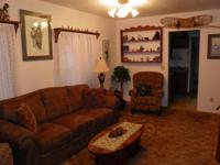 Beautiful, fully furnished & Alaskana decorated, 3 BR,