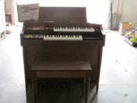 For Sale a real nice Lowery electric organ. This has