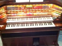 lowery majesty deluxe organ complete auto play ,