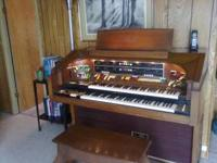 Lowery Symphonic Theatre Organ with Leslie speaker it