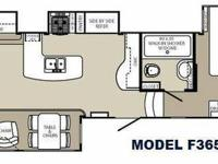 New 2014 Palomino Columbus F365RL Fifth Wheel   Rear