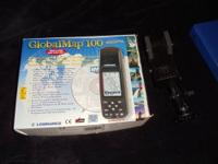 HERES A LOWRANCE GLOBALMAP 100 HANDHELD GPS..ITS IN