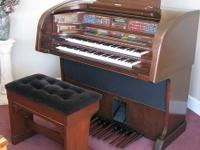 Gently used Lowrey Majesty organ. Has all the bells and