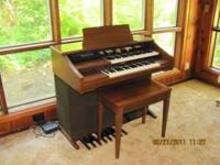 Lowrey electric organ model number 125 Festival.