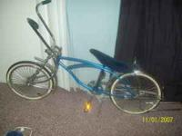 im selling a lowrider bike it dus have one scratch im