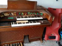 Lowry Electric Organ for finest offer over $0/u pickup.