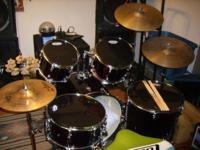 Selling a like new 5 piece Ludwig drum kit with ziljan