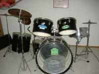 10 piece Ludwig Drum set. 6 drums and 4 cymbals. 1990's