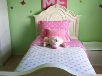 SMOKE FREE & PET FREE HOME Gorgeous Twin Sized Bed
