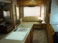 Extremely well stayed Luxury 5th wheel in Non-smoking